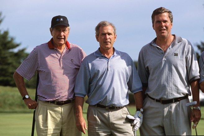 George H.W. Bush, George W. Bush et Jeb Bush en 2001