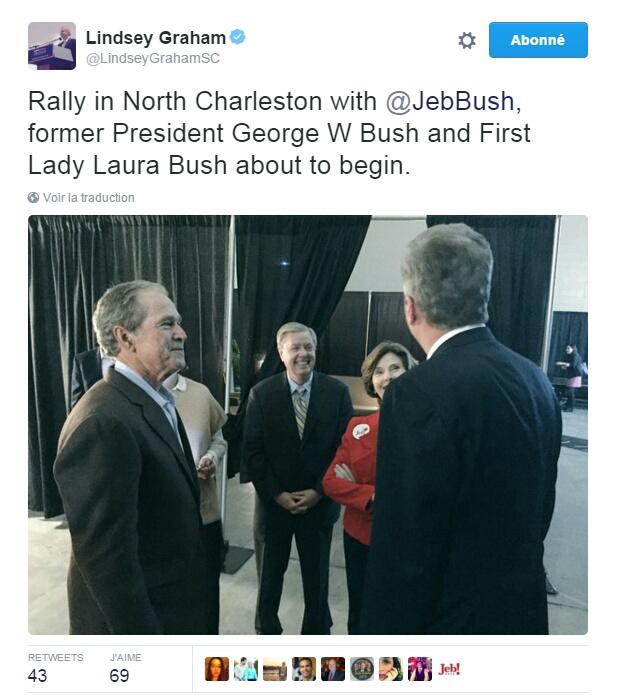 Traduction: Meeting à North Charleston avec Jeb Bush, l'ancien Président George W. Bush et la Première Dame Laura Bush sur le point de débuter.