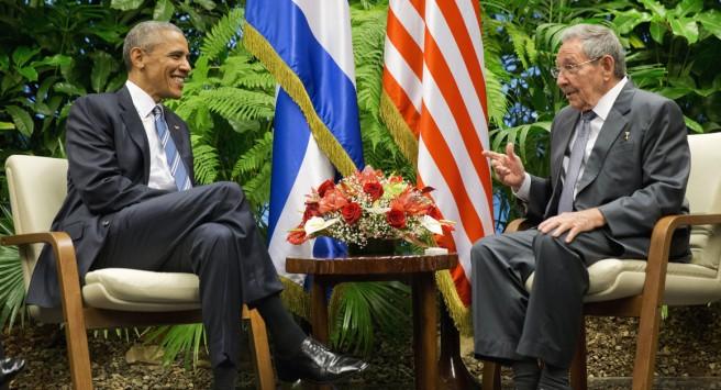 Rencontre entre Barack Obama et Raúl Castro au Palais de la Révolution