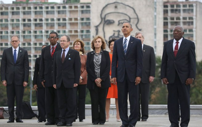 Barack Obama rend hommage à José Marti sur la Place de la Révolution