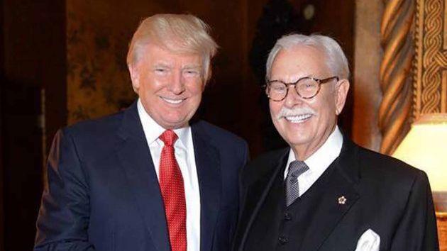Donald Trump et son majordome, Anthony Senecal (source: Mother Jones)