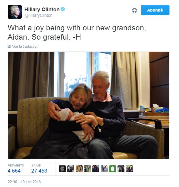 Traduction: Quelle joie d'être avec notre nouveau petit-fils, Aidan. Tellement reconnaissante.