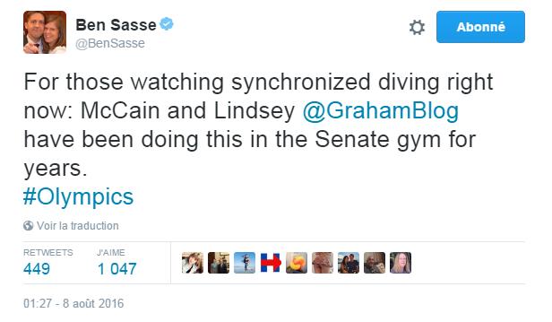 Traduction: Pour ceux qui regardent le plongeon synchronisé en ce moment: McCain et Lindsey Graham font cela dans la salle de gymnastique du Sénat depuis des années.