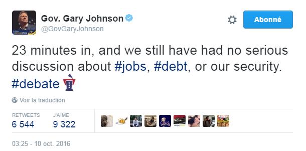 Traduction: 23 minutes de débat, et nous n'avons encore eu aucune discussion sérieuse à propos de l'emploi, de la dette, ou de notre sécurité.