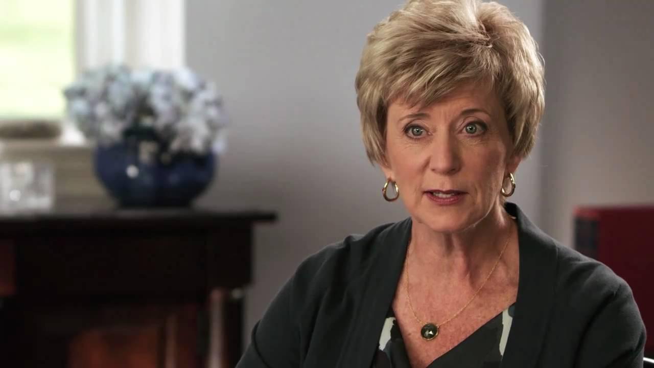 """Résultat de recherche d'images pour """"Linda McMahon, une fortune du catch pour la gestion des PME"""""""