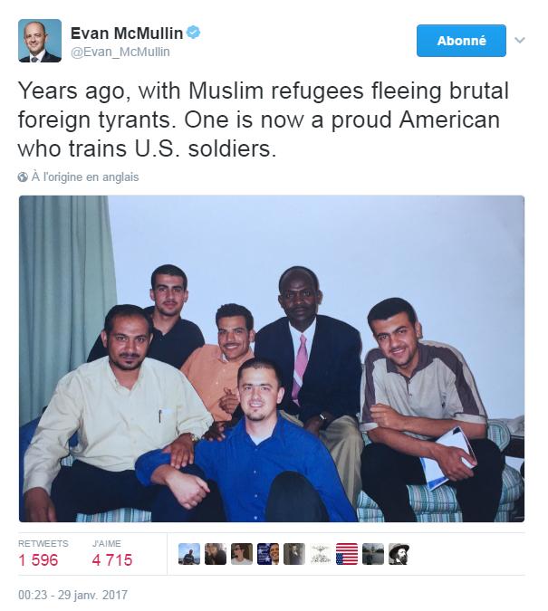 Traduction: Il y a plusieurs années, avec des réfugiés musulmans qui ont fui des tyrans étrangers. L'un d'entre eux est aujourd'hui un fier américain qui entraîne des soldats.
