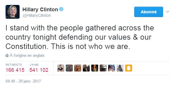 Traduction: Je soutiens les personnes qui se rassemblent partout dans le pays ce soir pour défendre nos valeurs & notre Constitution. Ce décret ne reflète pas ce que nous sommes.