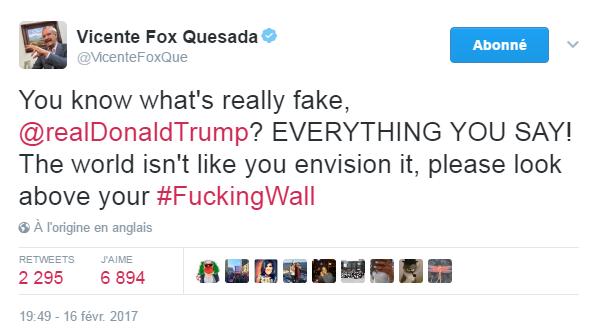 Traduction: Tu sais ce qui est vraiment faux, Donald Trump? TOUT CE QUE TU DIS! Le monde n'est pas comme tu l'imagines, s'il-te-plaît regarde au-dessus de ton p***** de mur